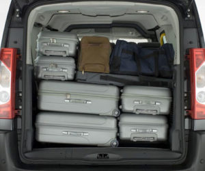 Going on a family holiday? Our people movers fit the whole family and luggage