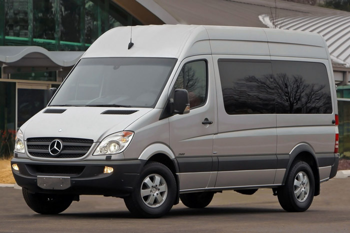 Mercedes Sprinter mini bus